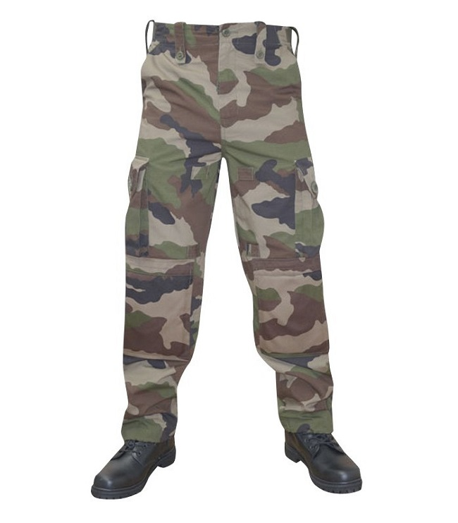 Randonner facilement avec le pantalon treillis guerilla