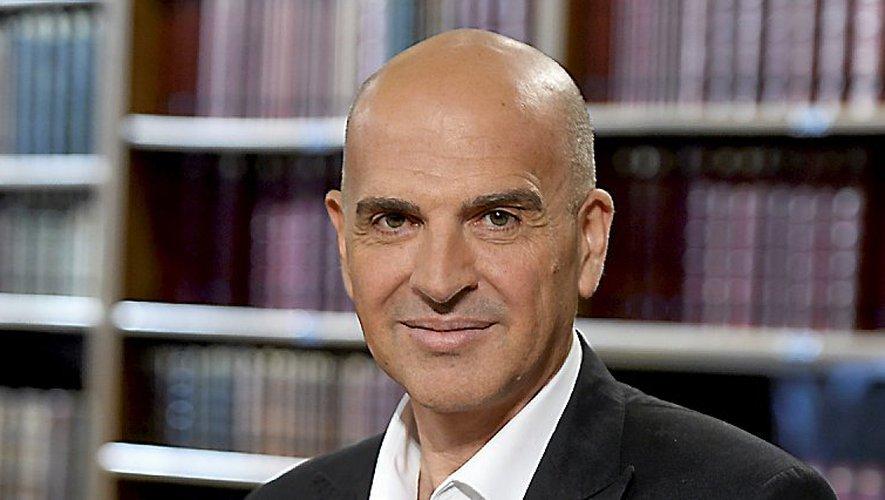 Dimitri Casali: De sa naissance à nos jours